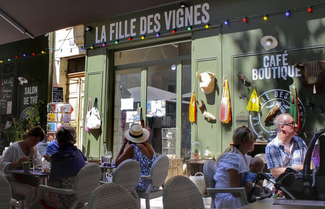 UZES_La_Fille_des_Vignes