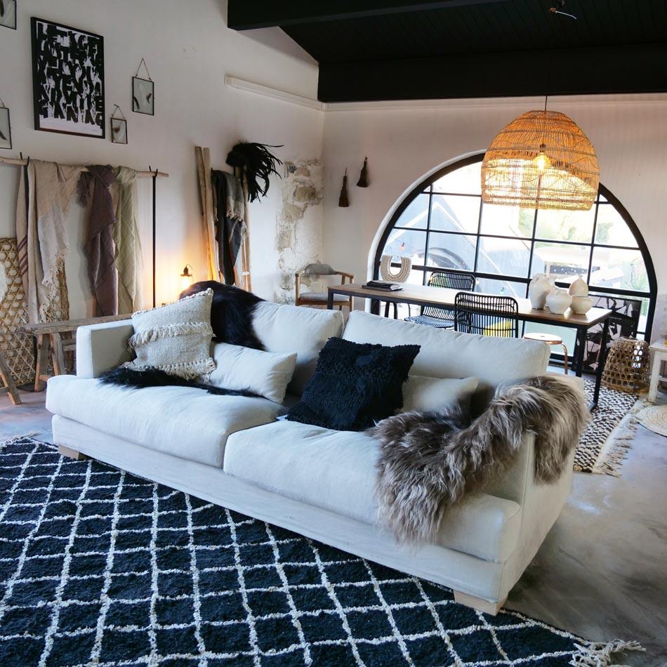 la maison pernoise au march du lez de montpellier grizette. Black Bedroom Furniture Sets. Home Design Ideas