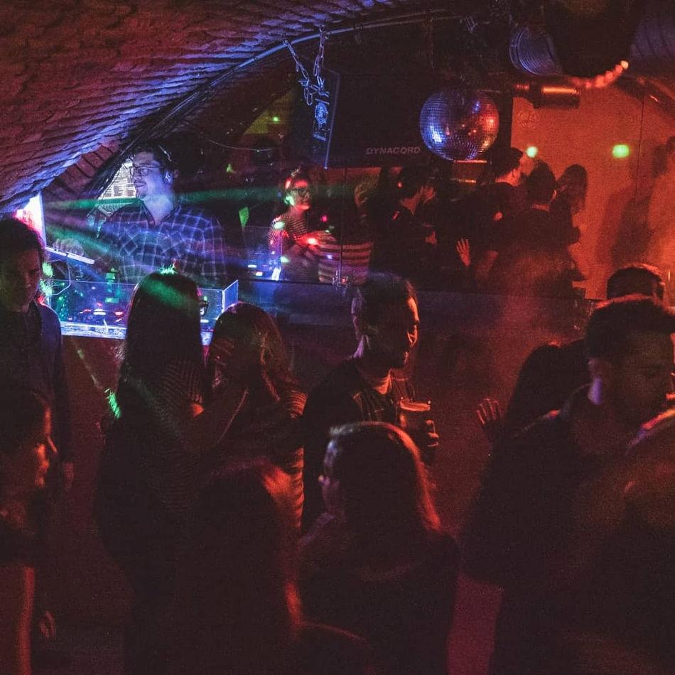 bar entre filles à Toulouse