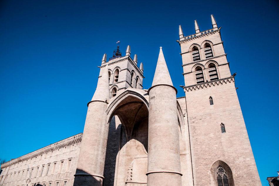 Cathédrale Saint-Pierre Écusson Montpellier