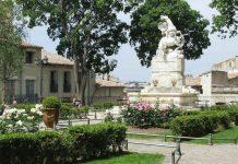 Place de la Canourgue Écusson Montpellier