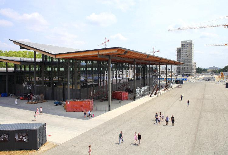 vue générale de la Halle de La Machine à Toulouse
