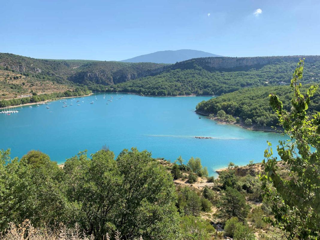 lac et rivière à Marseille